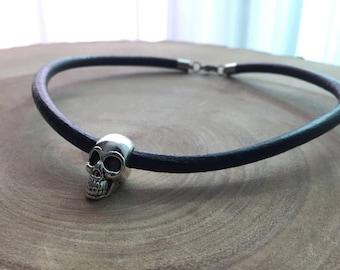 BDSM choker, Skull Jewelry, Skull choker, Skull Necklace, skull collar, Gothic jewelry, skull for her, leather choker, skull for women