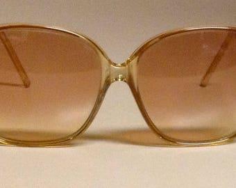 Vintage 1980s BAUSCH & LOMB Sunglasses - Peach Gradient Frame/Lenses
