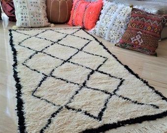 Berber Beni Ouarain rug - Handmade
