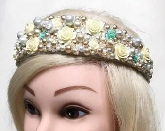Bridal Tiara Wedding Crown with beads Wedding Headpiece Bridal Bohemian Crown Bridal Jewelry Wedding hair band Bohemian Bride White pearl