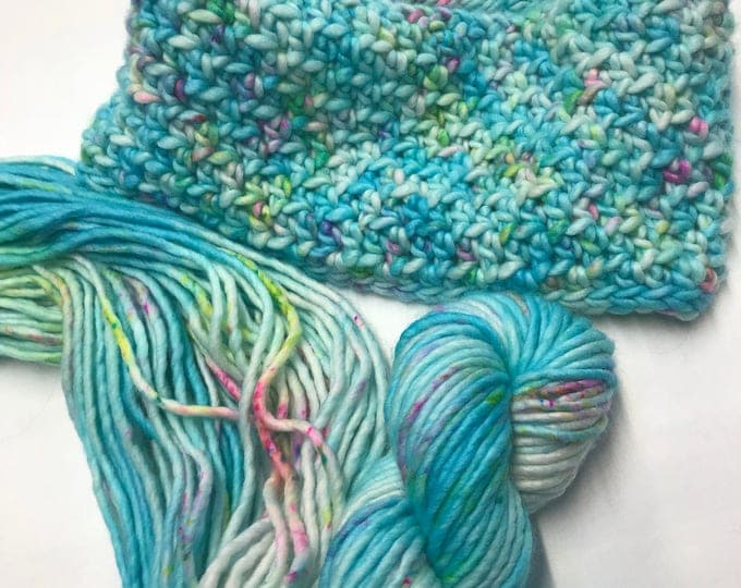 """100g Chunky SW Merino / Nylon Singles, hand dyed in Scotland, """"Acquiesce"""", Aqua, Turquoise, Pink, Green Speckles"""