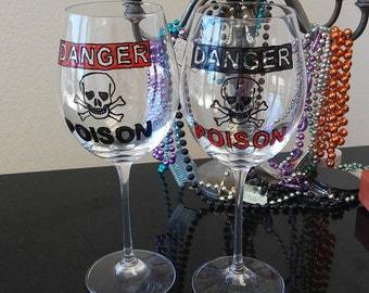 wine glasses set of2 hand painted Poison Handpainted scared creepy skull custom wine glass personalized friend gift decorative funny glasses