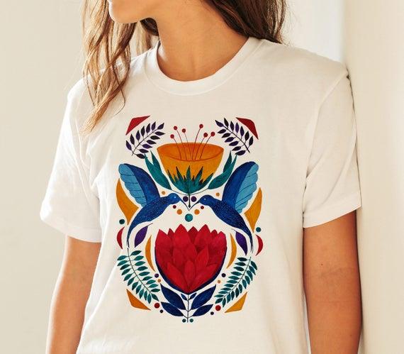 Love birds  | Unisex T-shirt | Apparel | Women / Men Clothing | Personalized T-shirt | Graphic Tee | Kissing hummingbirds  | ZuskaArt