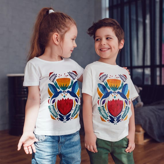 Love birds kissing | Unisex kids T-shirt | American apparel for children and toddlers |original watercolor artwork |graphic hummingbirds tee