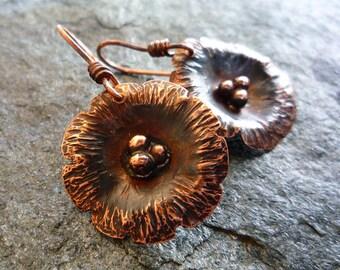 Hammered copper flowers, Copper earrings, Flower earrings, Dangle earrings, Artisan jewelry, Metalwork earrings