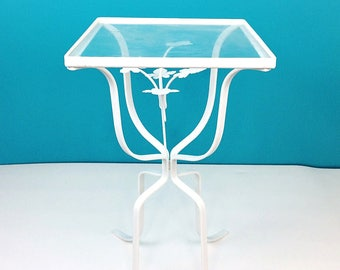 Vintage Hollywood Regency Wrought Iron Ivy Leaves Patio Plant Stand Side Table