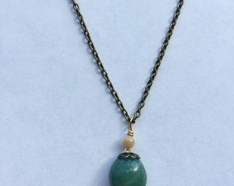Hunter Green Gemstone and Brass Chain Necklace