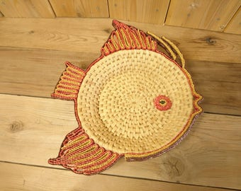 Vintage Decorative Wicker Fish Basket Home Decor Dish Plate Red and Yellow Tropical Ocean Sea Creature Decoration Rustic Boho Bohemian