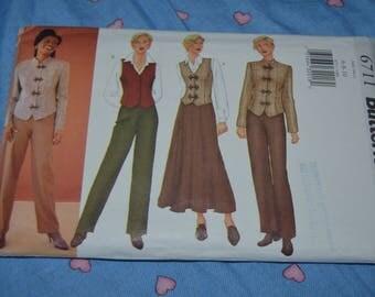 Butterick 6711 Misses / Misses Petite Jacket Vest Skirt and Pants Sewing Pattern - UNCUT - Size 6 8 10