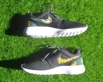best service 18e6c 55f2c ... Nike Roshe Run Custom NWT Ready To Ship Womens 8.5 - NFL Green Bay  Packers Roshe Run One Shoe Sneaker ...