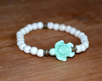 Ceramic Light Green Turtle and White Stone Beaded Bracelet