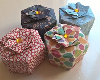 Hexagonal origami boxes (4pcs)