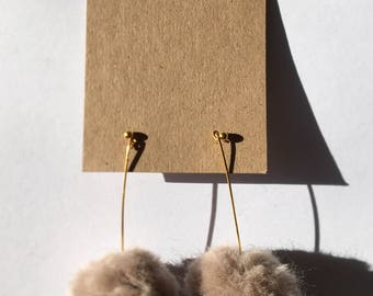 Pom-pom earrings- (Beige)