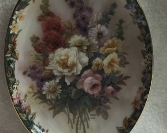 Bradford Exchange Collector Plate - Lena Liu's Floral Cameos - 'Remembrance' (#161)