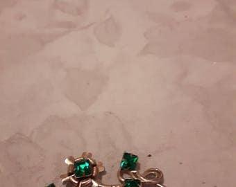 Vintage Gold Tone Flower Brooch - Emerald Green Rhinestones - 1960s