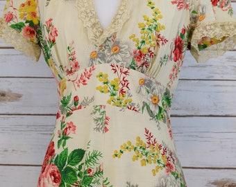 Vintage Romantic Floral Gown