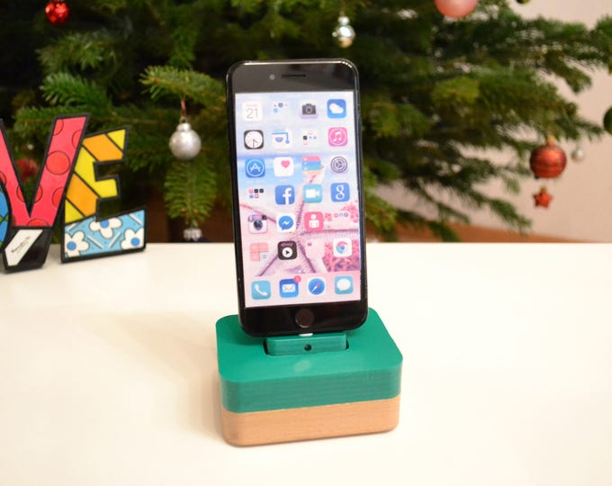 iphone charging station docking station stand, IDOQQ Uno Green wood Station, iphone 5, 6, 7, 8