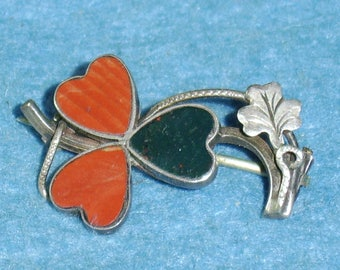 A very sweet Sterling Silver and Agates set Clover Brooch.