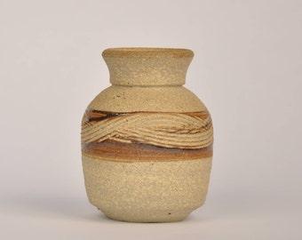 vintage bud vase // handmade ceramic vase // vtg pottery // small budvase