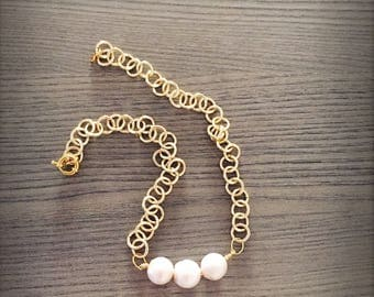 Necklace With Golden chain and scaramazze pearls