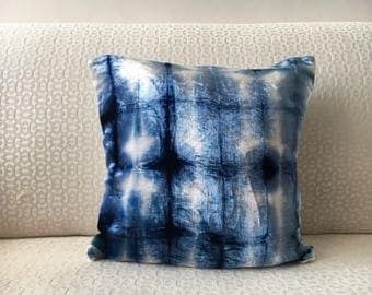 Rustic Shibori Velvet Pillow, Navy Blue throw pillow cover 12x12 16x16 20x20 26x26, Midnight blue Shibori Pillow Case, Tie dye Shibori sham
