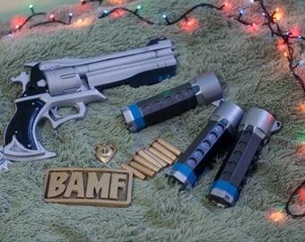 McCree Peacekeeper Revolver, grenades and emblem kit