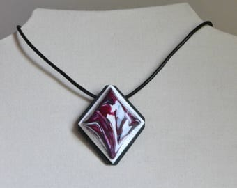 Red/white/black tones of polymer clay diamond-shaped pendant necklace