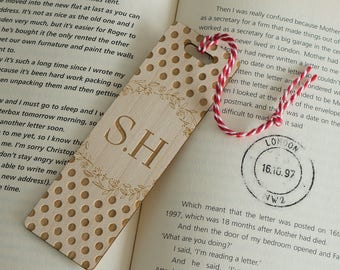 Persoanlised wooden bookmark. Laser engraved floral and polka dot design add your initials L173 Book lover gift