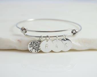 Mom bracelet, Grandmother Bracelet, Mother Bracelet, Mom Jewelry, Mom Birthday Gift, Mom gift From Daughter, Bracelet For Mom, Mom Initial
