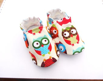 Sole leather baby booties and ecru cotton top with OWL