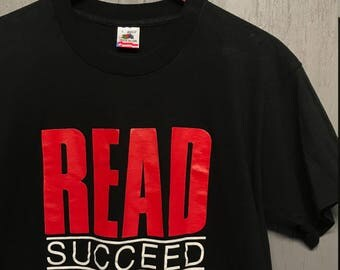 M * Vtg 90s Read Succeed t shirt * library