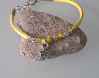 Very fine bracelet yellow suede