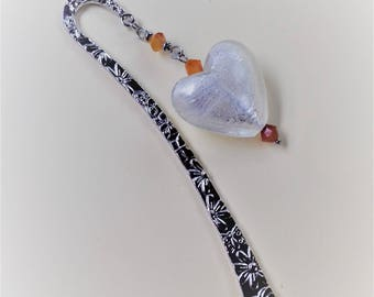 Bookmark where spade hair rhodium plated and stainless steel with tops of carnelian and a glass heart silver / women's stone