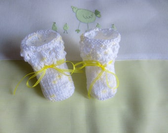 """""""Yellow and white"""" baby booties size newborn - hand made knit"""