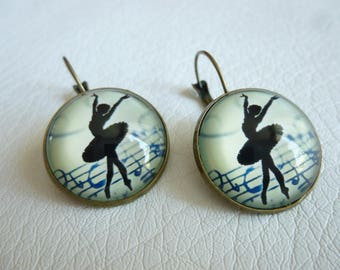 Dancers and music earrings music