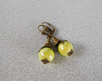 Retro style earrings, vintage, Victorian Pearl 12 mm yellow porcelain ceramic