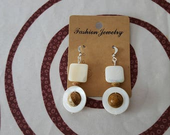 Earrings hook in silver and Pearl beige Jasper and mother of Pearl