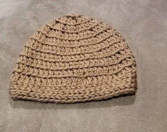 Cozy neutral crochet hat, great for girls or guys, chunky yarn for extra warmth!