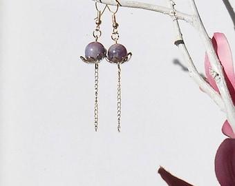 Earrings with purple jade bead