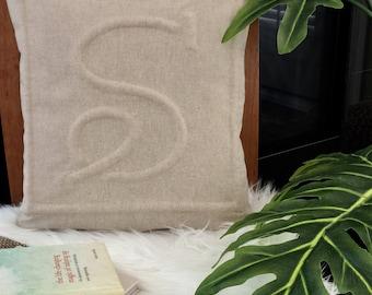 "Monogram ""S"" pillowcase"