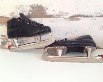 Vintage Ice skates - Ice shoes - Vintage Home Decor - Skates Rink - black Ice Skates - leather skates -Old ice skates -Retro mens ice skates