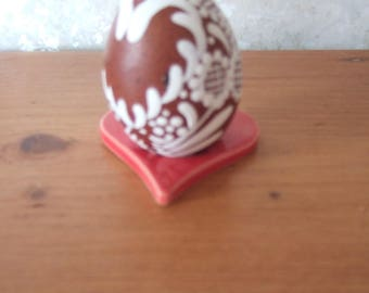 Decorated ask Marans chicken egg