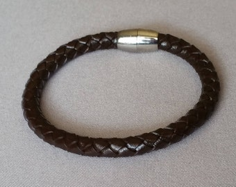 6 MM Leather Bracelet With Magnetic Clasp