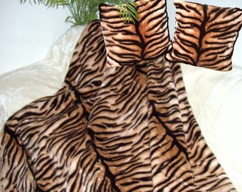 Top offer! 3 piece set, 1 bedspread 200 x 160 + 2 pillowcases 40 x 40 tiger