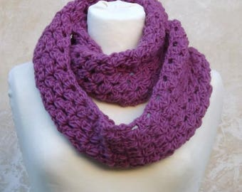 Wraparound cowl knitted in orchid pink pure wool