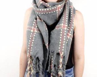 Winter Scarf-Extra long-oversize scarf-rectangle-window-tartan-grey pink