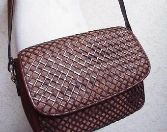 Fiber Street VINTAGE! beautiful handmade vintage leather woven bag