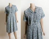 Vintage 1950s Dress - Blue Iceberg Print Cotton Day Dress - Button Up Bow and Pleat - Volup Large