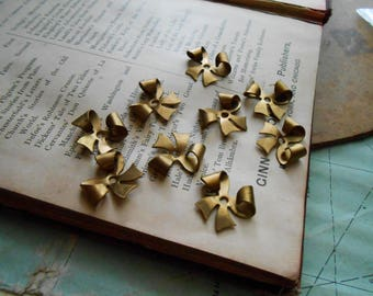 9 pcs vintage brass bow ribbon - old new stock finding bead cab