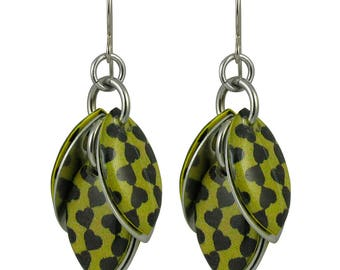 Chain of Hearts Petals to the Metal Earrings in Golden Lime